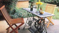 Какую садовую мебель можно сделать из старой ножной швейной машинки