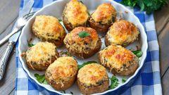 Как приготовить картошку, фаршированную грибами