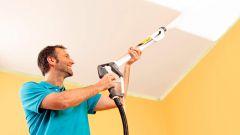 Как покрасить потолок водоэмульсионной краской. Основные советы