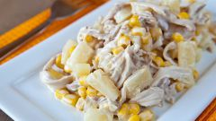 Как приготовить салат с курицей и ананасами: 3 простых рецепта