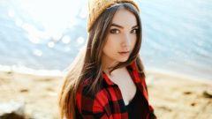 10 способов проверить, нравитесь ли вы девушке