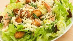 Как приготовить салат «Цезарь» с курицей: пошаговый рецепт
