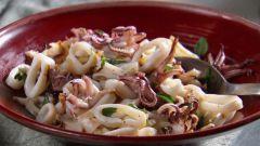 Как приготовить закуску из кальмара на Новый год