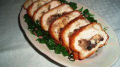 Как приготовить куриные рулетики с грибами и сыром в сметанном соусе