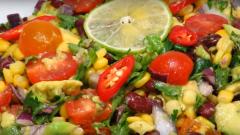 Как приготовить постный салат из фасоли и авокадо