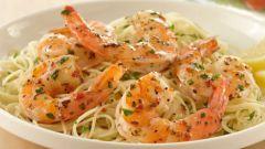Как приготовить макароны со сливочным соусом из морепродуктов