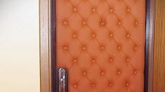Как сделать обить дверь кожей своими руками