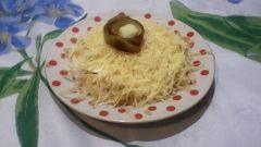Как приготовить крабовый салат «Нарцисс» к Новому году