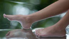 Как сделать кожу на пяточках мягкой и гладкой