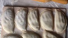 Как сделать вкусные пирожки на тонком тесте