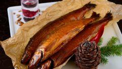 Как сделать  рыбу горячего копчения