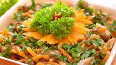 Как приготовить теплый салат из печени и корейской моркови