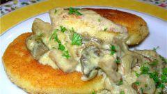 Как приготовить картофельные котлеты под грибным соусом