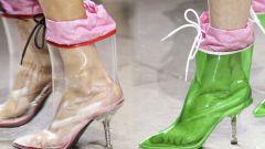 Как красиво носить резиновые сапоги