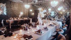 Как можно сэкономить на свадебном декоре