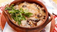 Как приготовить мясо с грибами по-славянски в горшочках