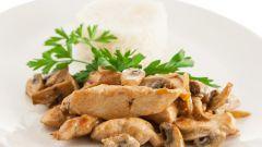Как приготовить индейку с грибами в сливочном соусе