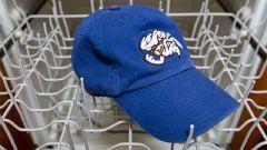 Как стирать кепки и бейсболки