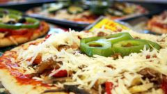 Как приготовить пиццу со шпротами