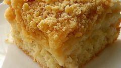Как испечь тертый яблочный пирог