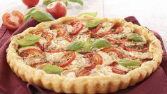 Как испечь пирог с томатами