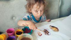 """Как поиграть с ребенком в интересную творческую игру """"Самодельные краски"""""""