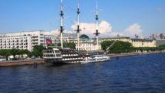 Где купить в Санкт-Петербурге недорогие сувениры
