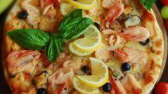 Как вкусно приготовить пиццу с креветками и кальмаром