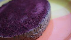 Как приготовить сыроедческий торт с мятой и хвоей