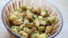Как приготовить закуску из сырых баклажанов