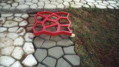 Как сделать садовую дорожку при помощи формы и цемента