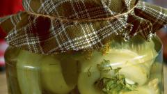 Как сделать рулетики из переросших огурцов на зиму