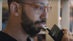 Почему смартфоны вредны так же, как сигареты