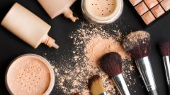 Как сочетаются тональный крем и пудра