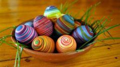 Как легко и быстро украсить яйца к Пасхе