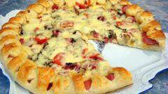 Как приготовить пиццу с  колбасой и солеными огурцами