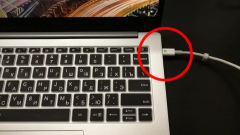 Как заряжать ноутбук и можно ли держать его на зарядке постоянно