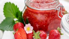 Протертая клубника с сахаром: рецепт без варки