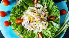 Салат с колбасой и яйцами: пошаговые рецепты с фото для легкого приготовления