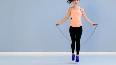 Скакалка для похудения – эффективный тренажер родом из детства