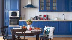Синий цвет в интерьере кухни: достоинства и недостатки