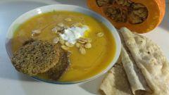 Как сделать тыквенный суп-пюре и быстрые лепешки питы