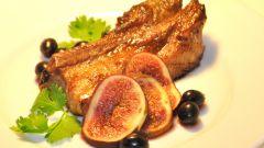 Как приготовить свинину с виноградом