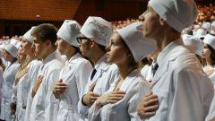 Почему так много людей идут учится на врача?