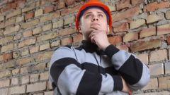 Можно ли штробить несущие стены в кирпичном доме