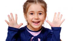 Как отучить ребенка грызть ногти с помощью лака