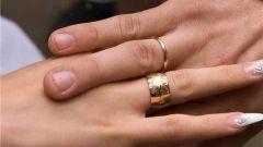 Можно ли носить кольцо на безымянном пальце левой руки замужней женщине