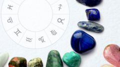Какие камни подходят женщинам знака Близнецы