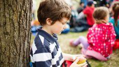 Замкнутый ребенок: что делать родителям?