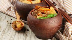 Горячие блюда в горшочках: пошаговые рецепты с фото для легкого приготовления